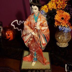 geisha fabric statue